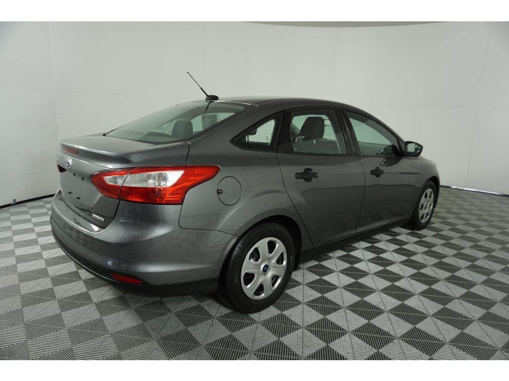 Pre-Owned 2013 Ford Focus S