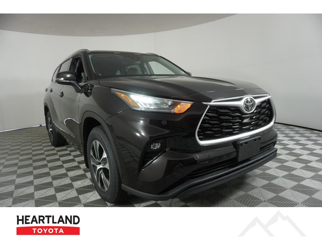 New 2020 Toyota Highlander Xle 4 Door Wagon In Bremerton Tt3537 Heartland Toyota